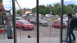 Установка автоматических раздвижных дверей в Перекрёстке